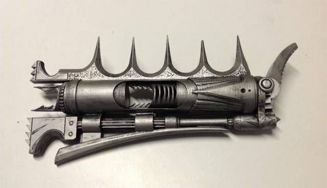AVP-Predator-Stapler-Weapon-Replica