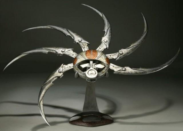 ALIENS-VS-PREDATOR-REQUIEM-Life-Size-Predator-Shuriken