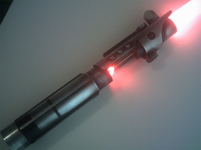 STAR WARS: THE FORCE UNLEASHED Starkiller Lightsaber Prop Replica