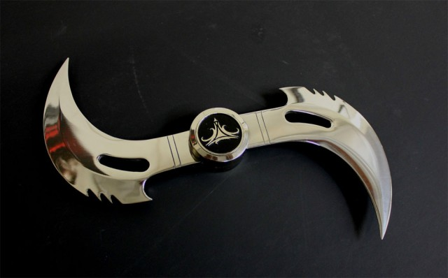 BLADE-Glaive-Weapon-Replica