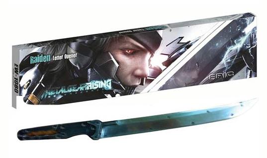 METAL-GEAR-RISING-Revengeance-Raiden-Mini-Sword-Replica-Epic-Weapons