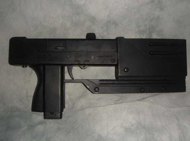 BLADE Movie Mac 11 Replica Weapon
