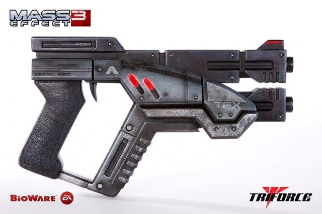 Limited Edition MASS EFFECT 3 M-3 Predator Life Size Replica TriForce