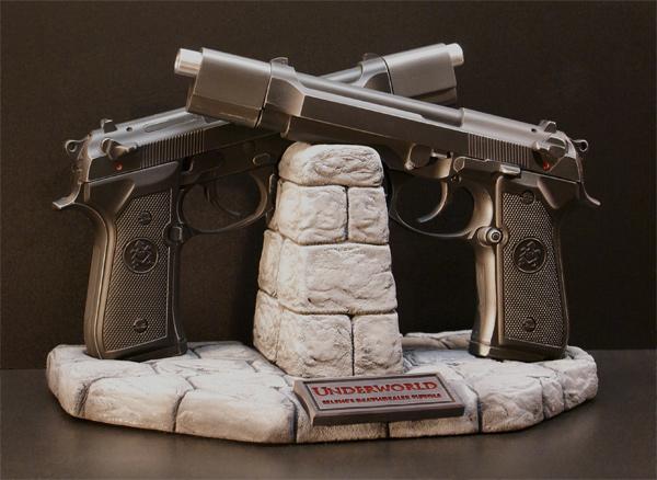 UNDERWORLD Limited Edition Selenes Deathdealer Pistols Replica Statue